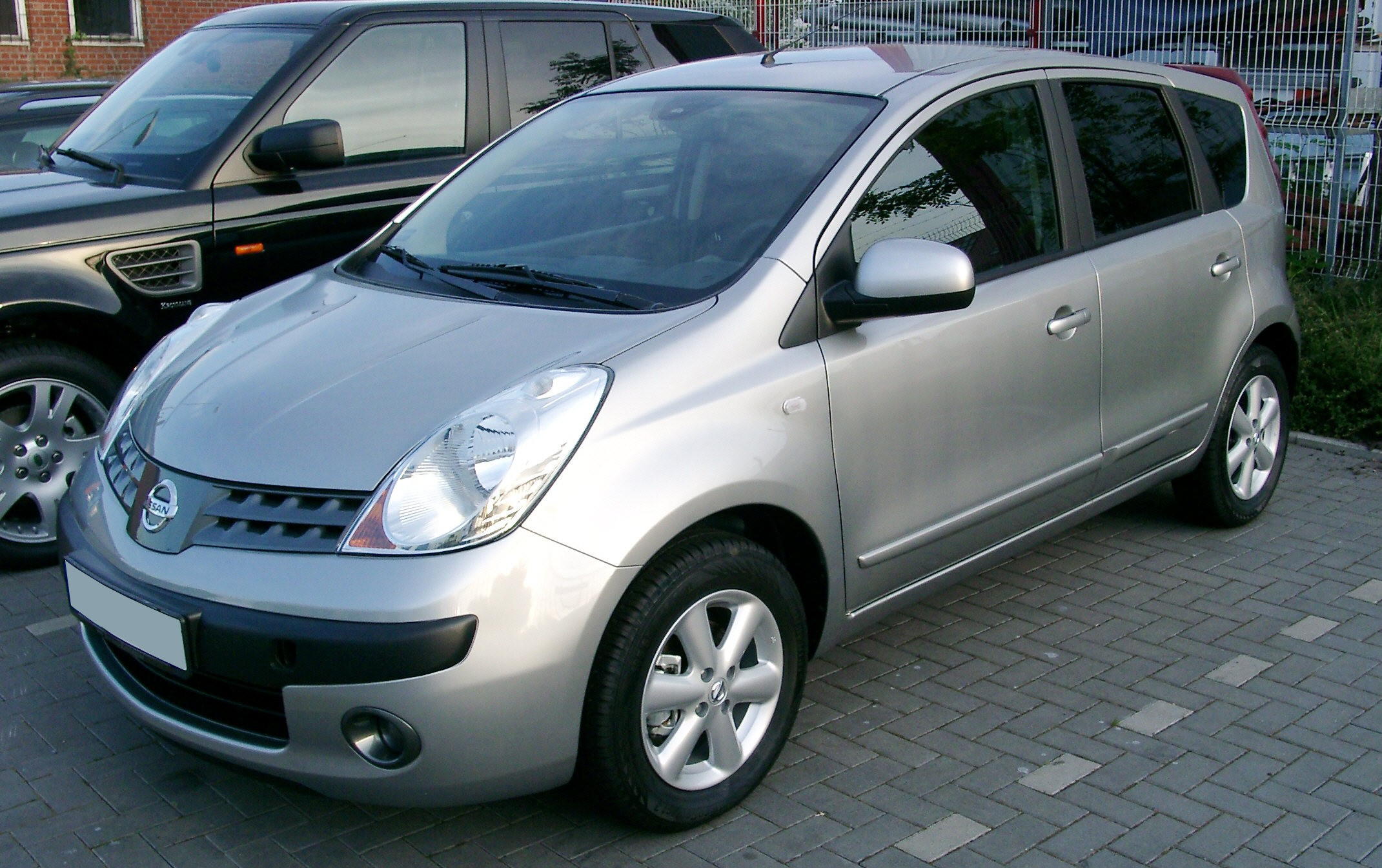 Nissan Note Automotive Center
